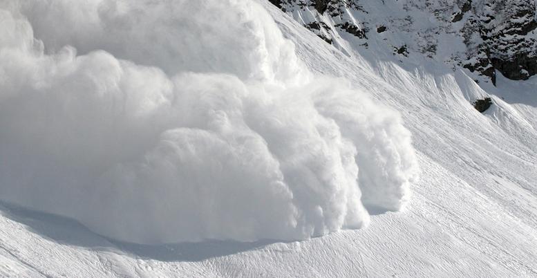 Une avalanche en cours
