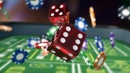 Dés et jetons de casino